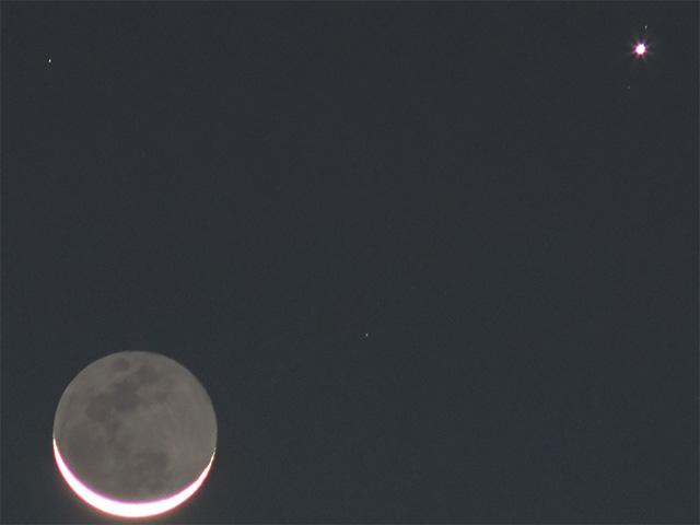 Moon photography - a dozen ways to shoot the Moon @ not so