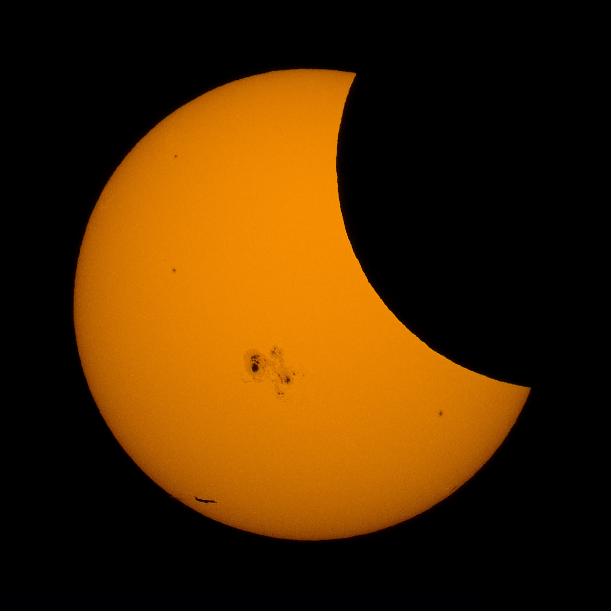 Jet gets a close view of Solar Eclipse